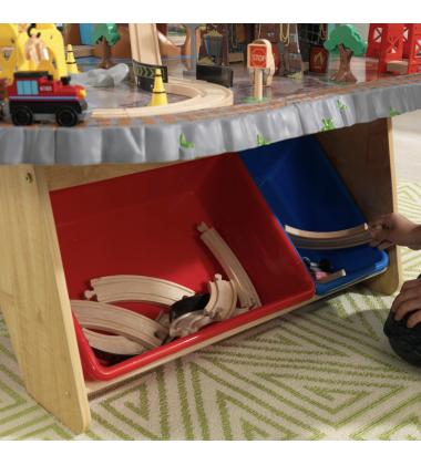Medinis žaidimų stalas